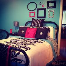 Walmart Black And White Bedding My Bedroom Turquoise White And Black With A Berry Pink