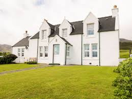 tigh dhomhnaill staffin balmeanach self catering holiday cottage