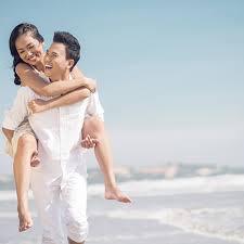 white honeymoon miami honeymoon idea where to honeymoon hop brides