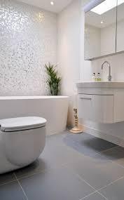bad mit mosaik braun wohndesign schönes wohndesign gestaltung badezimmer ideen bad