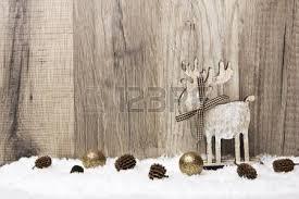 weihnachtsdekoration aus holz weihnachtsdekoration mit holz schnee elche lizenzfreie fotos