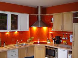 cuisine couleur orange plan de travail orange beautiful choisir les matriaux pour plan