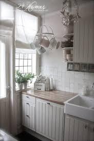 white kitchen ideas for small kitchens best 25 small white kitchens ideas on small kitchens