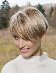coupe de cheveux court femme 40 ans les coupes de cheveux à adopter à 30 et 40 ans femme actuelle