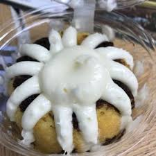 nothing bundt cakes 93 photos u0026 98 reviews bakeries 635 w