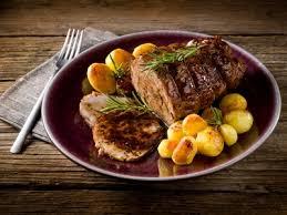 cuisiner roti de boeuf rôti de bœuf braisé boeuf et veau délicook en recettes