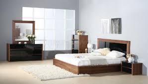 Black Furniture In Bedroom Stark Bedroom By Beverly Hills Furniture In Walnut U0026 Black