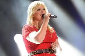 Tiny Desk Concert Kacey Kelly Clarkson Announces Christmas Benefit Concert Reba Kacey