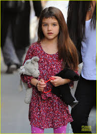Tom Cruise Home by Tom Cruise Loves Brazilian Fans Suri Shows Off New Bangs Photo