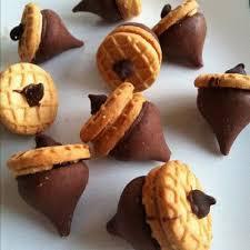 thanksgiving easy acorn cookies fall acorn cookies