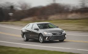 toyota camry 2015 2015 toyota camry pictures photo gallery car and driver