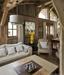 canapé montagne le design réinvente le chalet de montagne maison créative