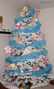 theme tree candyland christmas theme tree the budget decorator