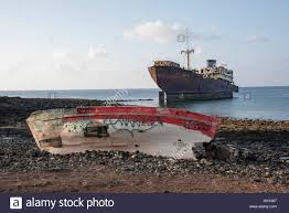 shipwreck off stock photos u0026 shipwreck off stock images alamy