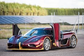koenigsegg dubai koenigsegg breaks bugatti chiron u0027s 0 248 0 mph record tires