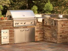 riester s general service premier outdoor products appliances lynx s complete line of outdoor kitchen products combines advanced technologies and refined features that you can use to design your own outdoor cooking