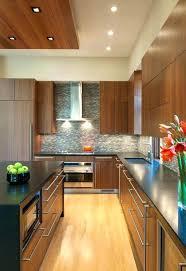 plinthes cuisine plinthe sous meuble cuisine finest meuble cuisine en bois pour