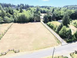 secluded country living in the middle of university place tacoma