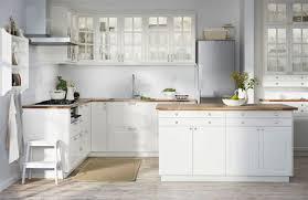 cuisine blanche design attractive murs cuisine gris perle 2 cuisine blanche et grise