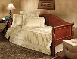 Daybeds With Trundles Amazon Com Bedford Sleigh Daybed With Trundle In Cherry Finish