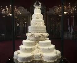 wedding cake kate middleton kate middleton s eight tiered wedding cake slice fetches 2 588