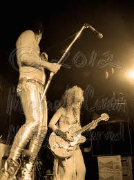 Lux Interior And Poison Ivy Lux Interior Plays Mic Stand U0026 Poison Ivy Plays The Cramps U2013 I