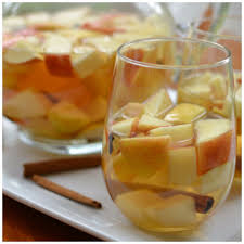 20 minute easy fall harvest sangria small town woman
