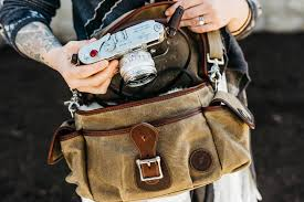 leica bags holdfast fundy streetwise review a bag for the