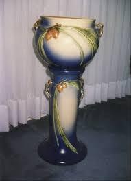 Roseville Pinecone Vase Valuing A Roseville Jardiniere Pedestal Set