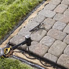 Making A Paver Patio by Best 25 Paver Edging Ideas On Pinterest Grass Edging Flower