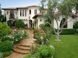 decor tuscan style homes design ideas with green garden area and