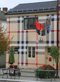 painted houses oddly painted houses 22 pics color transformations pinterest