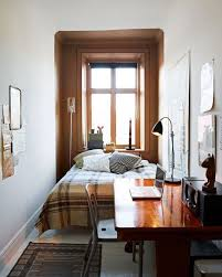 Maximize Space Small Bedroom by Best 25 Small Bedroom Arrangement Ideas On Pinterest Bedroom