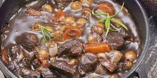 cuisiner boeuf bourguignon boeuf bourguignon express recettes femme actuelle