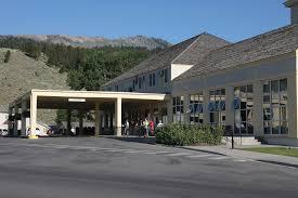 mammoth springs hotel u0026 cabins yellowstone insider
