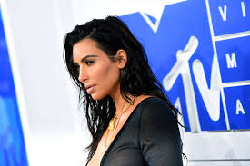 kim kardashian u0027s wet hair at the 2016 vmas was all good product