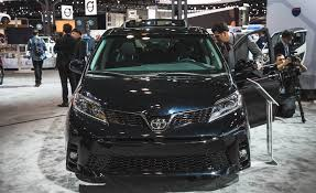 toyota official store 2018 toyota sienna pictures photo gallery car and driver