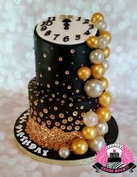 New Years Eve Decorations Pinterest by 32 Best Happy New Year Cakes Images On Pinterest New Year U0027s Cake