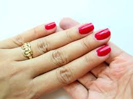 how to get healthy clean and good looking hands and nails