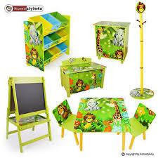 dschungel kinderzimmer kindermöbel kinderzimmer möbel sitzgruppe spielzeugkiste tafel
