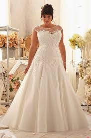wedding dresses for larger brides how to a wedding dress that hides your belly