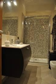 bagno mosaico foto bagno con doccia in mosaico di living soluzioni in edilizia