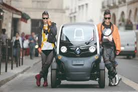 renault twizy sport renault twizy now legal to drive for 14 year olds in france