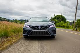 toyota hybrid 2018 toyota camry camry hybrid gain big mpg for 2018 news