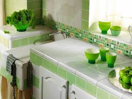 horizontal glass tile backsplash