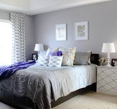 fabulous soft grey wall color with geometric printed curtain for