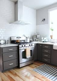 hotte industrielle cuisine cuisine gris et bois en 50 modèles variés pour tous les goûts