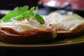 cuisine parme crostini au jambon de parme et pécorino al tartufo 4 saisons en