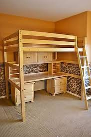built in bunk beds with trundle bed gives plenty of sleeping