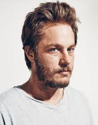 what is going on with travis fimmels hair in vikings vikings star travis fimmel meet the victorian farm boy dazzling